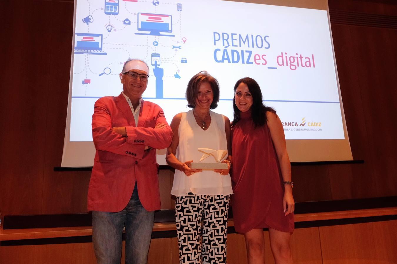 Torre Tavira recogiendo el premio de Cádiz es Digital